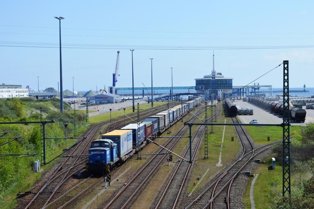 https://www.mukran-port.de/files/content/images/rail_port/Rangieren_normalspur.JPG